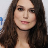 Keira Knightley Shoulder Length Hairstyle for Round Faces