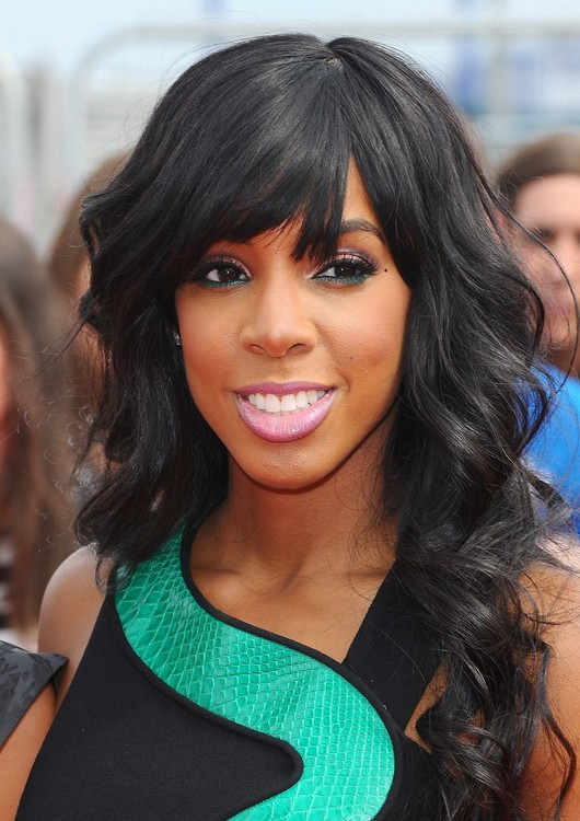 Kelly Rowland Long Wavy Hairstyles