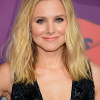 Kristen Bell Center Parted Medium Wavy Hairstyle for Summer 2015