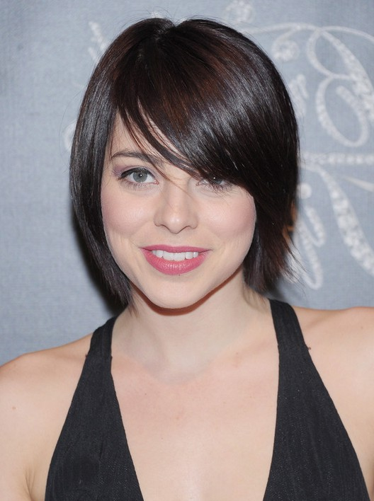 krysta rodriguez short straight haircut with side swept