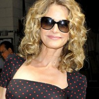 Kyra Sedgwick Shoulder Length Blonde Curly Hairstyle for Summer