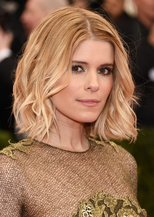 Latest Popular Short Wavy Hairstyle for Women From Kate Mara