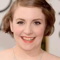 Lena Dunham Short Wavy Hairstyle for Fine Hair