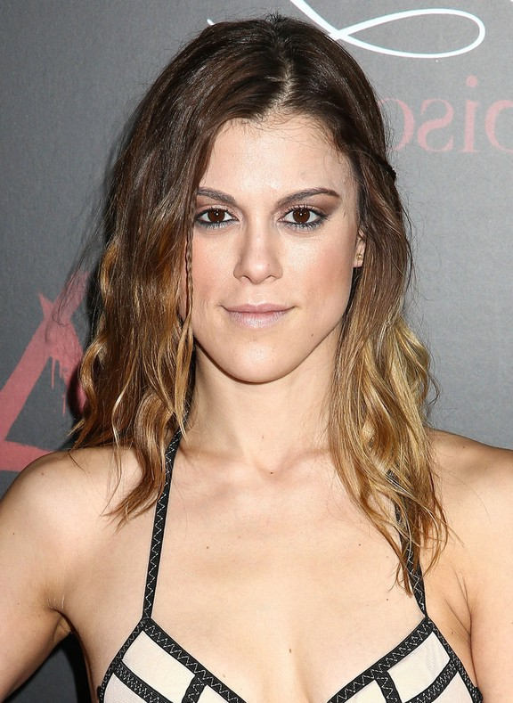 lindsey marie shaw long ombre wavy hairstyle for thin hair