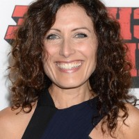 Lisa Edelstein Casual Simple Easy Daily Medium Curly Hairstyle