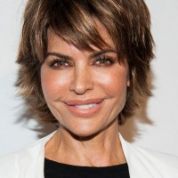 Lisa Rinna Layered Razor Cut for Women Over 40