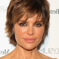 Lisa Rinna Short Layered Razor Cut with Bangs