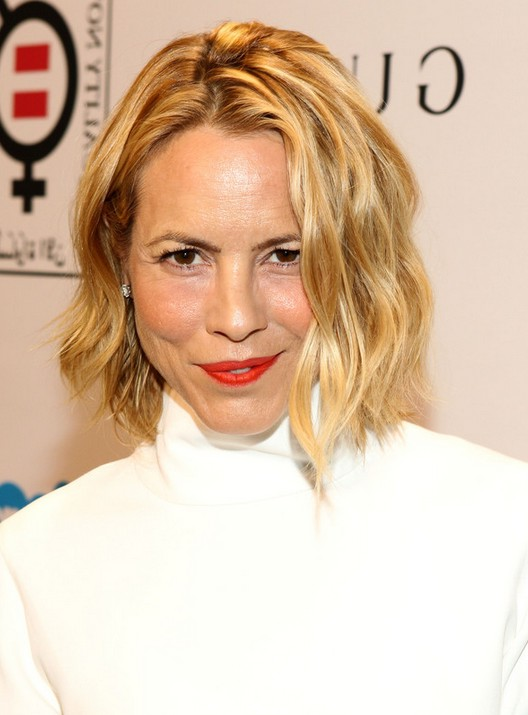 Maria Bello Short Blonde Wavy Hairstyle For Fall Styles