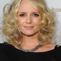Marley Shelton Shoulder Length Curly Hairstyle for Round Faces