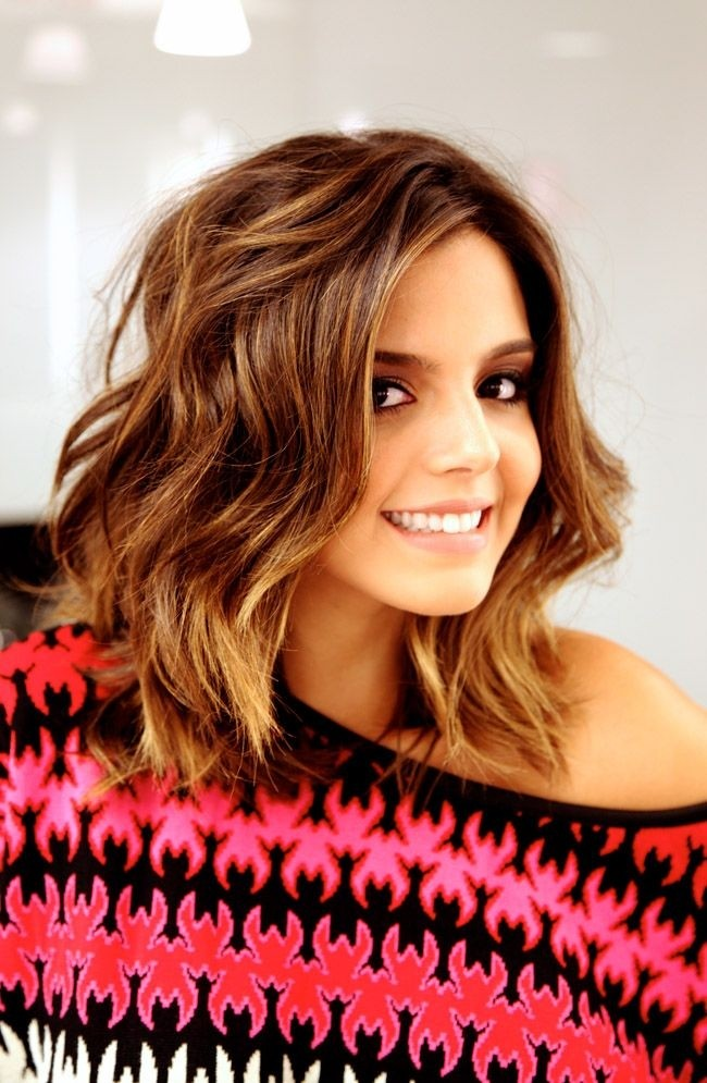 Medium Wavy Hairstyle: Cute Haircuts for Fall 2014 - 2015
