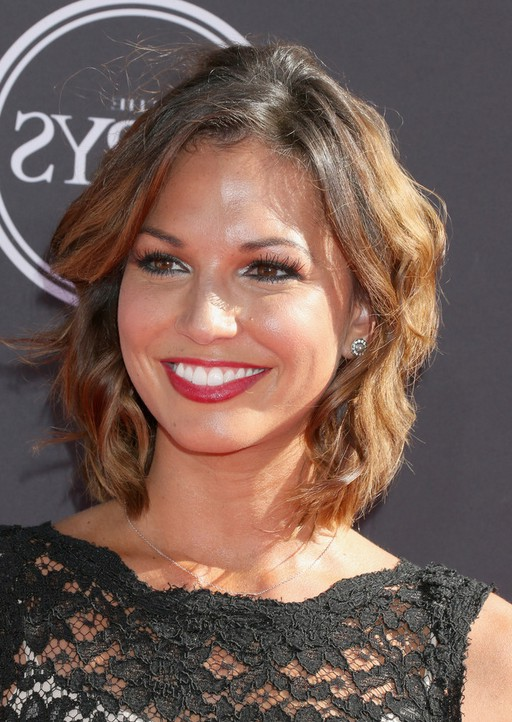 Melissa Rycroft Short Ombre Wavy Hairstyle For Round Faces Styles