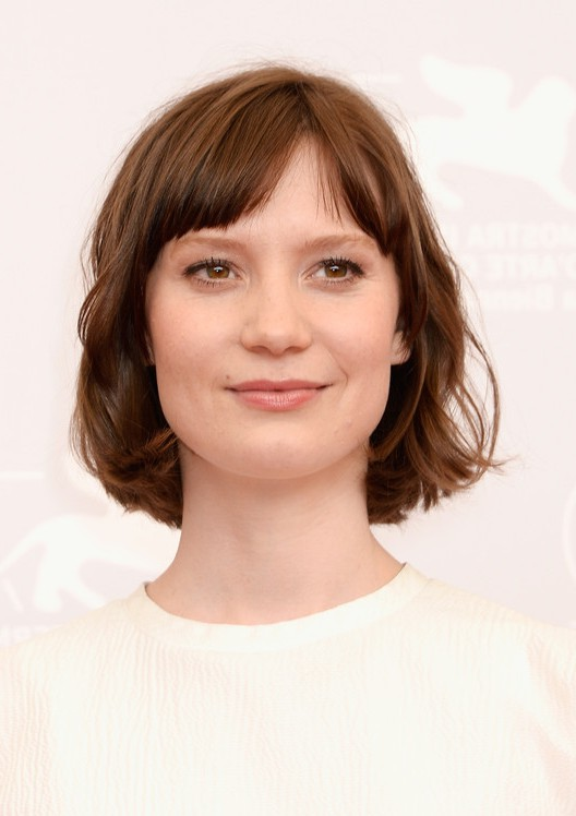 Mia Wasikowska Simple Easy Short Hairstyle With Wispy Bangs Styles