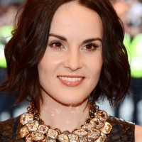 Michelle Dockery Short Loose Wavy Hairstyle for Summer