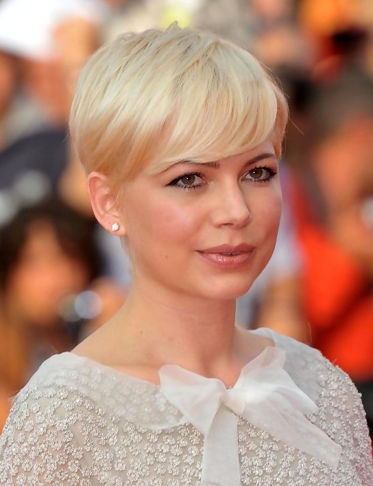 ... Hairstyles: Simple Easy Short Straight Pixie Cut /Getty iamges