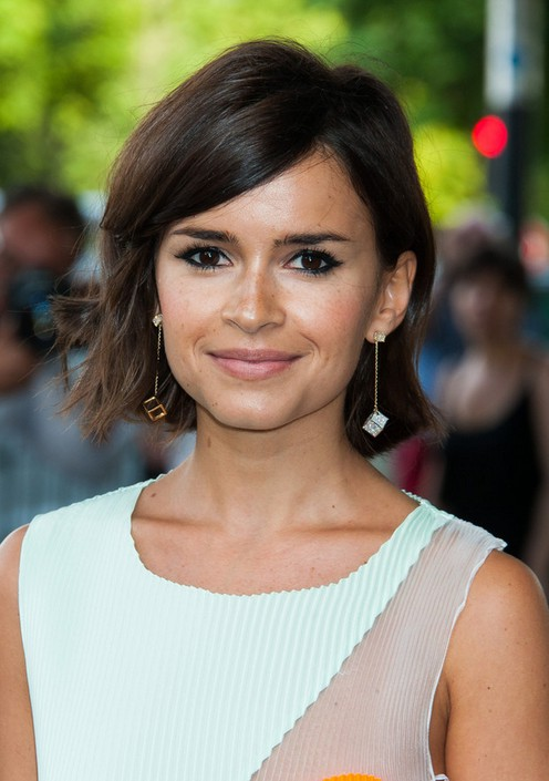 Miroslava Duma Layered Side Parted Short Haircut With Side Swept