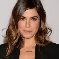 Nikki Reed Loose Wavy Hairstyle for Shoulder Length Hair