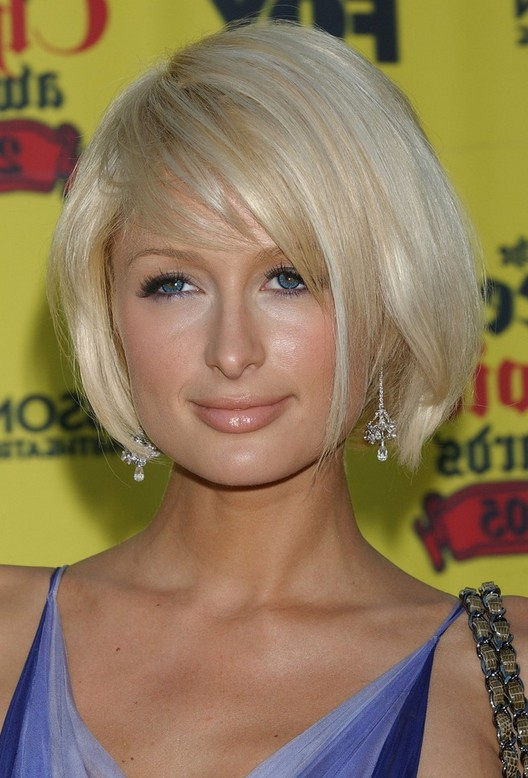 Paris Hilton Cute Short Side Parted Bob Hairstyle With