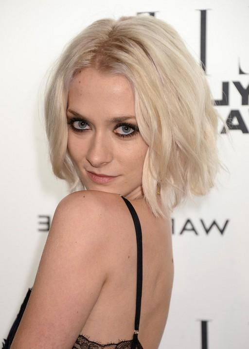 Portia Freeman Short Blonde Wavy Hairdo