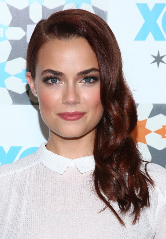 Rebecca Rittenhouse Side Swept Hairstyle For Long Hair