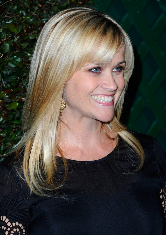 Reese Witherspoon Latest Loose Casual Long Hairstyle With