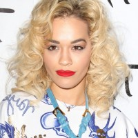 Rita Ora Medium Blonde Curly Hairstyle for Shoulder Length Hair