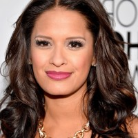 Rocsi Diaz Shoulder Length Brunette Wavy Hairstyle for Thick Hair