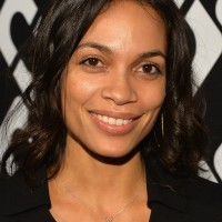 Rosario Dawson Simple Easy Medium Length Curly Hairstyle for Women