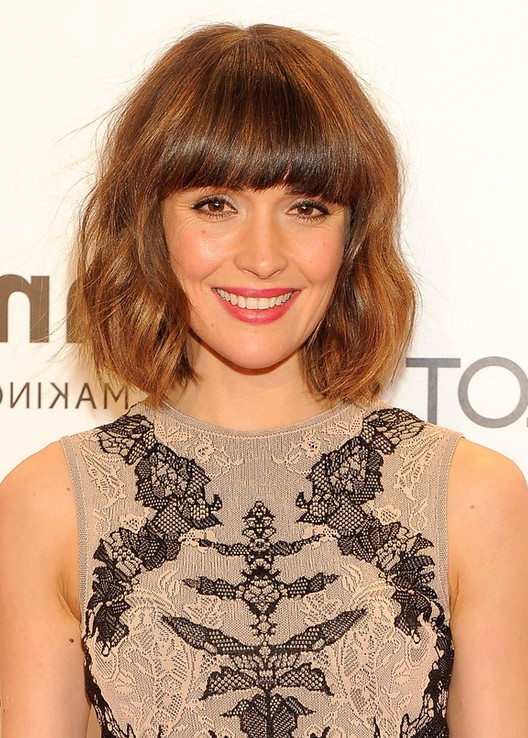 Rose Byrne Layered Pageboy Haircut With Bangs Styles Weekly