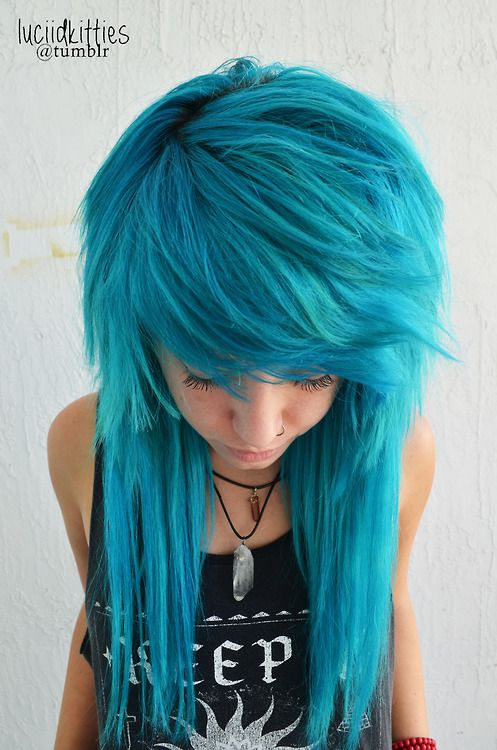 Scene Blue Hairstyle for Long Hair | Styles Weekly