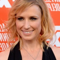 Shawnee Smith Chic Mid Length Hairstyle for Thin Hair
