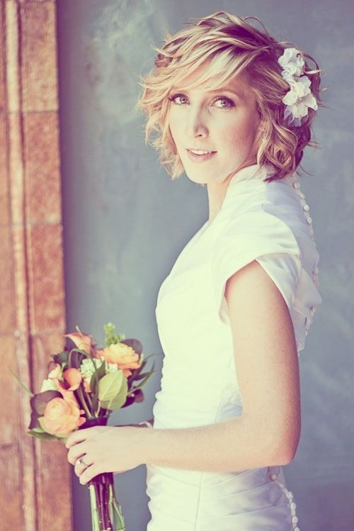 Short Wedding Hairstyles for Women: Hairstyles for Brides