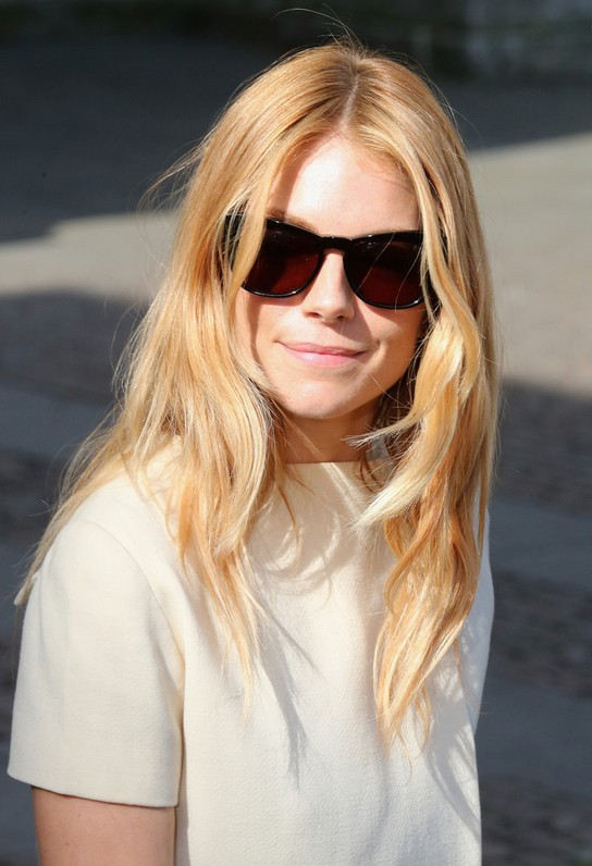 Sienna Miller Long Choppy Layered Hairstyles Styles Weekly