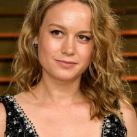 Simple Easy Daily Medium Wavy Hairstyle from Brie Larson