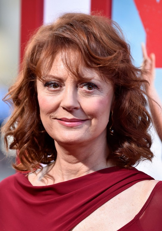 Susan Sarandon Medium Curly Hairstyle with Bangs for Women Over 60 ...