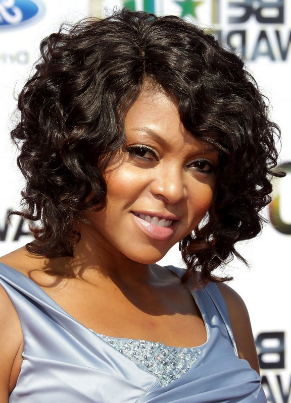 Taraji P. Henson Curly Hairstyle For Medium Length Hair