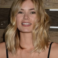 Tori Praver Latest Casual Shoulder Length Wavy Haircut