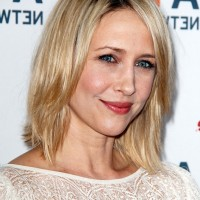 Vera Farmiga Short Blonde Straight Hairstyle with Dark Roots