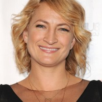 Zoe Bell Short Blonde Wavy Hair Style with Bangs