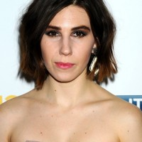 Zosia Mamet Short Dark to Brown Ombre Wavy Haircut
