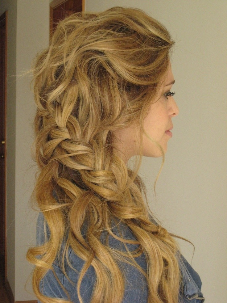 Messy Side Braid: Boho Hairstyle