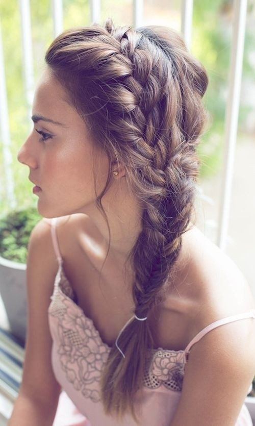 Side Braid Hairstyle for Long Hair: Summer Hairstyles Ideas / Via