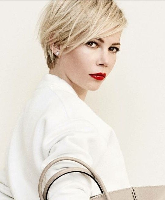 Chic Layered Hairstyle for Short Hair: Spring, Summer Haircuts Design
