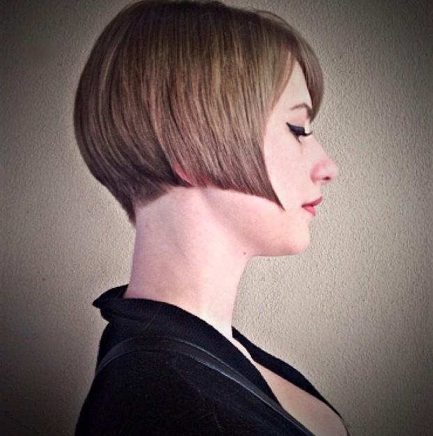 Cool Short Straight Bob Haircut for Women