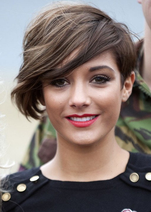Frankie Sandford Short Haircut With Bangs   Best Short Cut For Thick Hair
