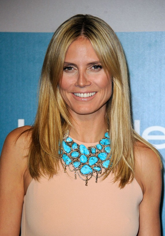 Heidi Klum Long Blonde Center Part Straight Haircut for Summer