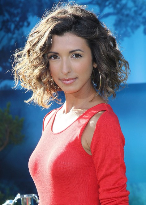 India de Beaufort short hairstyles for curly hair – chic messy short ...