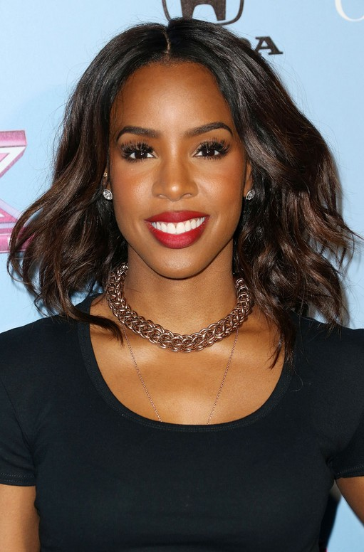 Kelly Rowland Layered Medium Wavy Hairstyle For Thick Hair African American
