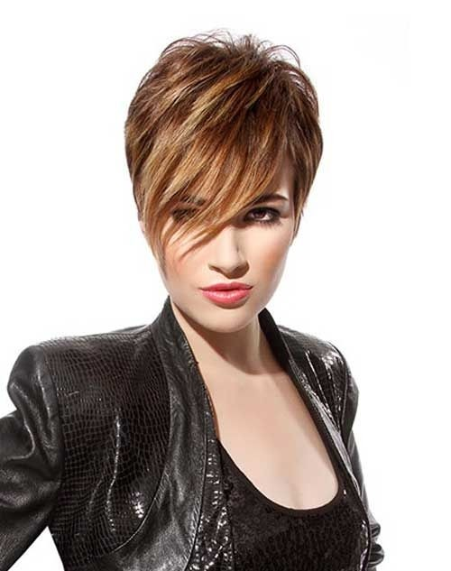 Layered Short Hairstyles for Long Face Shape