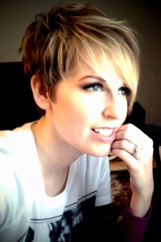 12 Hot Short Hairstyles with Bangs | Styles Weekly