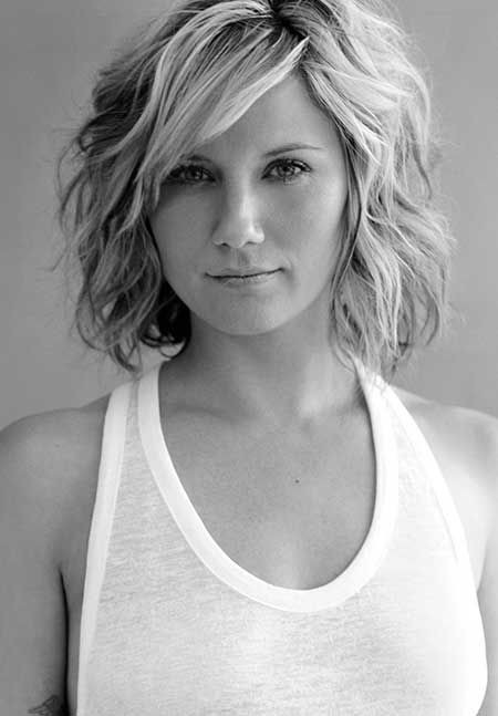 Layered, Wavy Hairstyle for Short Hair
